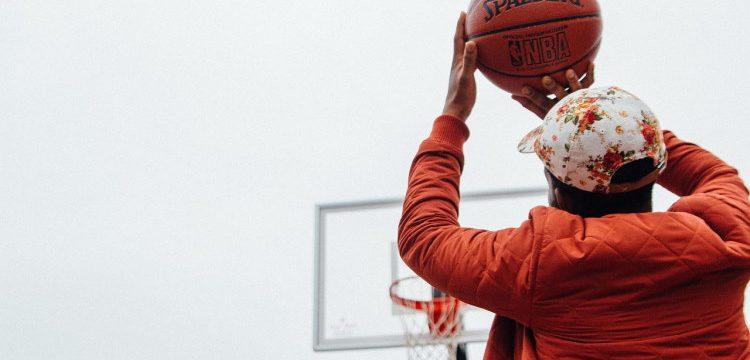 Basket och fest vid Svenshögshallen